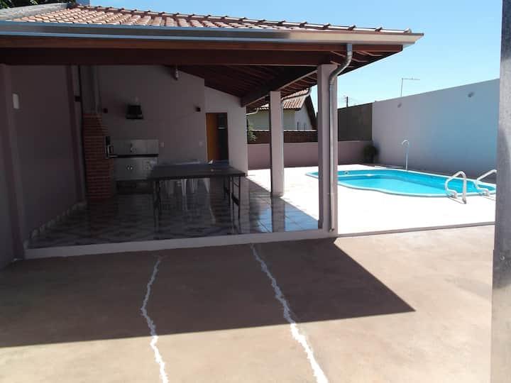 Casa p/ Temporada em Brotas-SP com piscina e WiFi