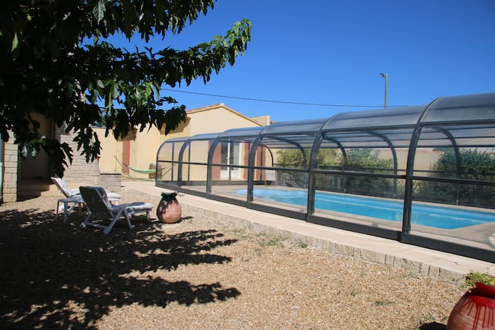 Maison familiale / piscine couverte - Rasteau