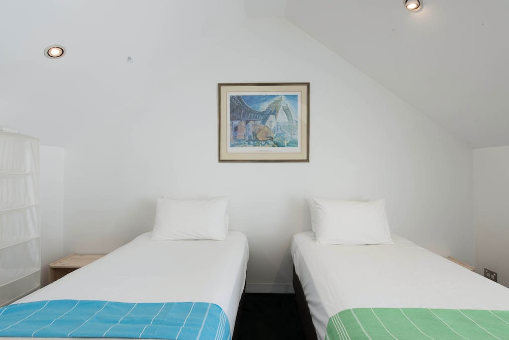 How To Book Airbnb In Sydney One Room Twin Beds