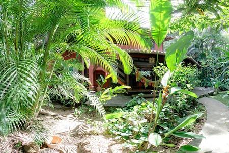 Casa Pitanga - Tropical Beach House - Hus