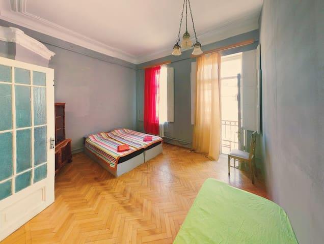 Balcony room in Veranda Apartment - Tbilisi - Byt
