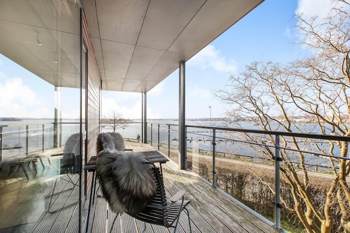 1. Værelse Skanderborg Sø adgang til ugenert have