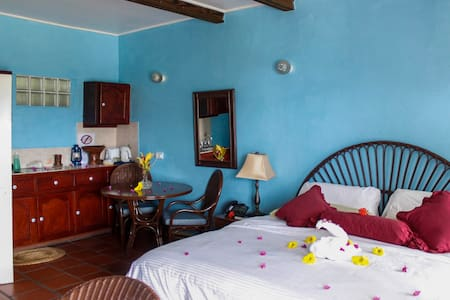 La Haut Resort- Superior Garden Rm#5 Cocoa House - Guesthouse