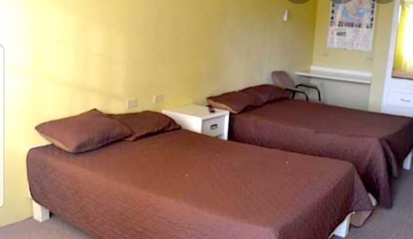 Cómoda habitación de hotel a 5 min del consulado