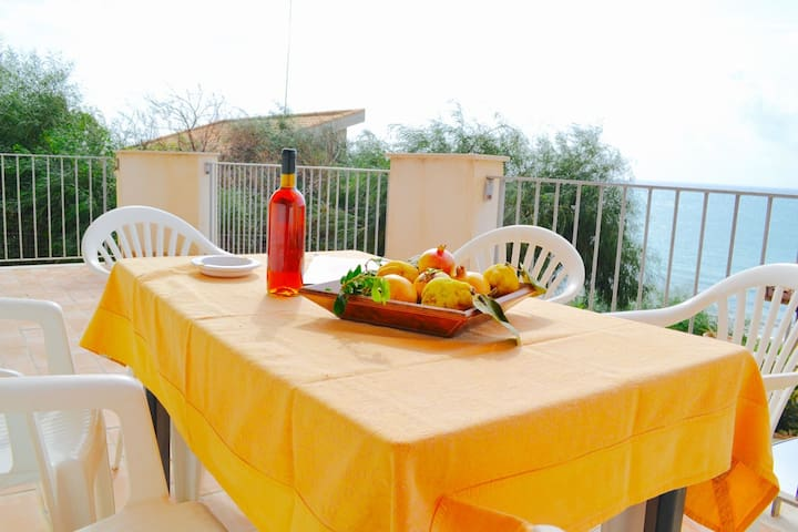 TIMO 3BR-80 meters from the beach by KlabHouse - Sciacca - Appartement