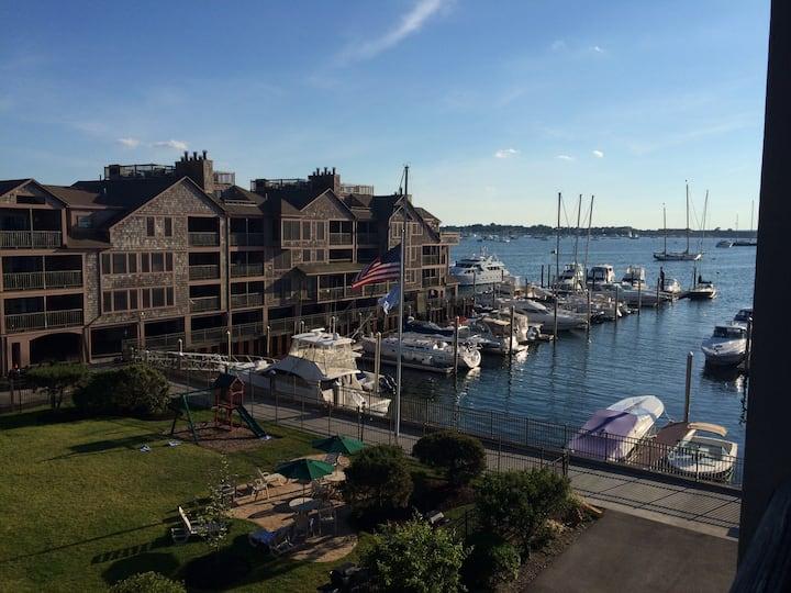 Wyndham Newport Onshore Harbor-Front Resort