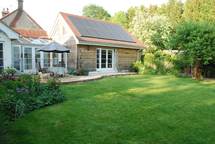 Beautiful Annexe to Grade II Cottage