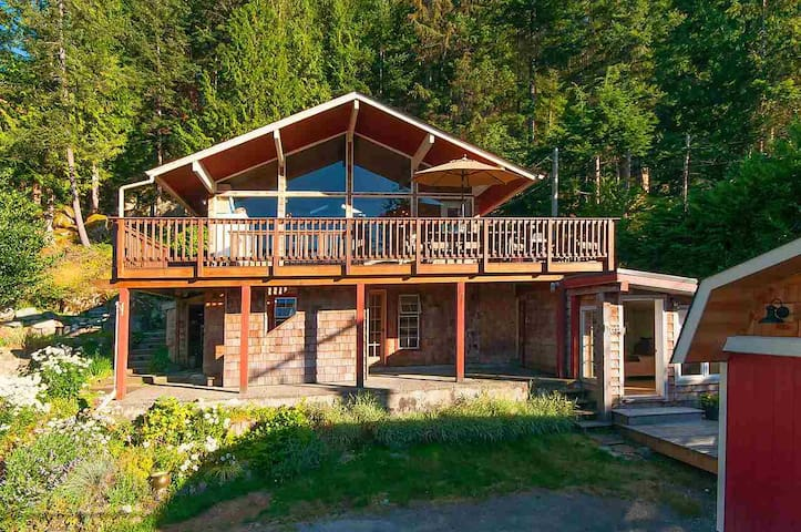 Luxury, views, beach - full, private house! - Bowen Island - Casa