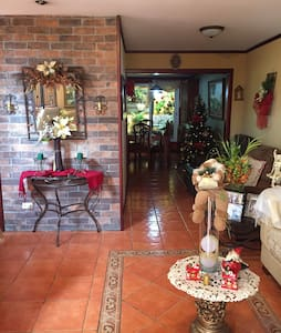 Room with great location - Alajuela - Ház