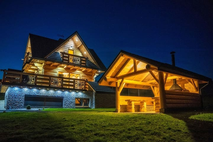 Luxury villa with a view to the Tatra Mountains. Sauna, jacuzzi, swimming pool