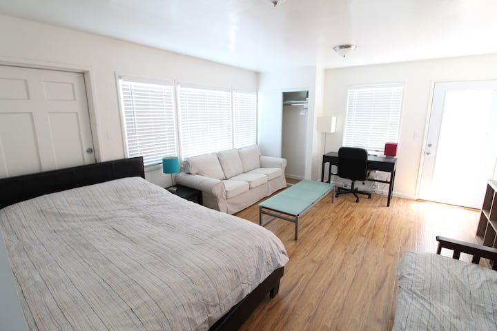 Bright Studio Apt w Full Kitchen  Private Patio AC