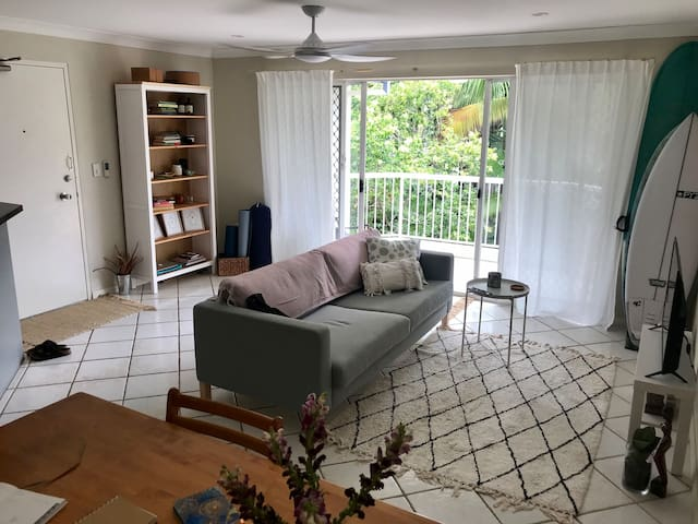Central location in Burleigh Heads