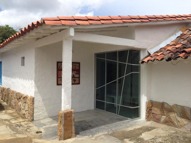 Hermosa Casa en el centro de Curiti