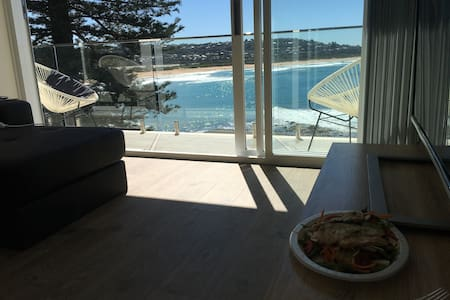 Absolute Beach pad!! - Dee Why