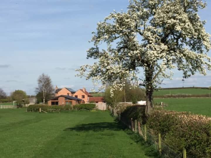 RYECROFT LODGE Farming, Fishing, Fresh country air