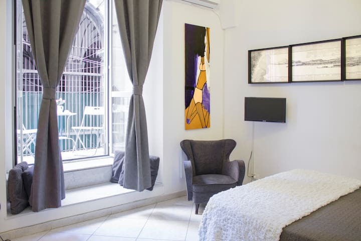 Sangregorio Flat: At home in the old Naples 2 - Napels - Appartement