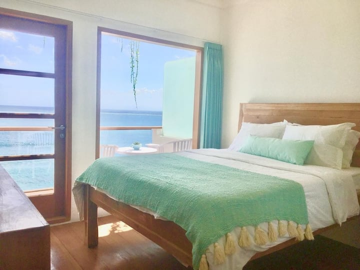 Ocean Front Suite with Private Balcony 2