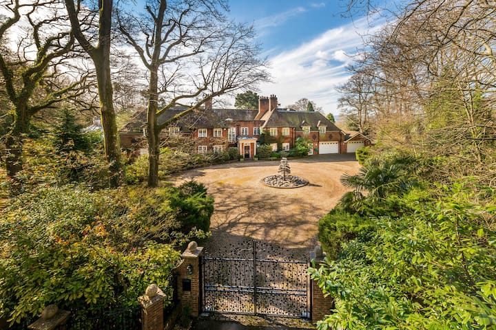 Magnificent Country House Family Home 1 hr London