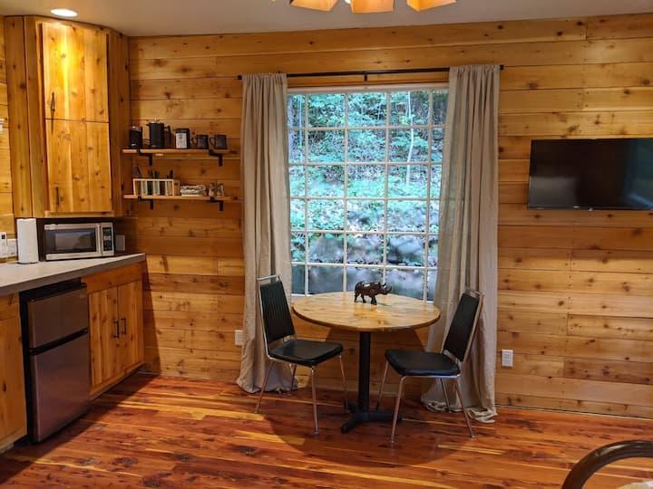 Glenn Falls Tiny Cabin