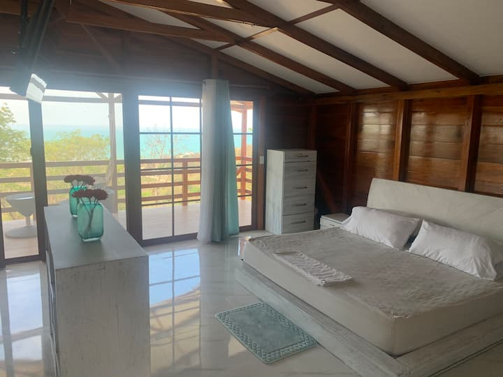 Loft con espectacular vista al mar y piscina.