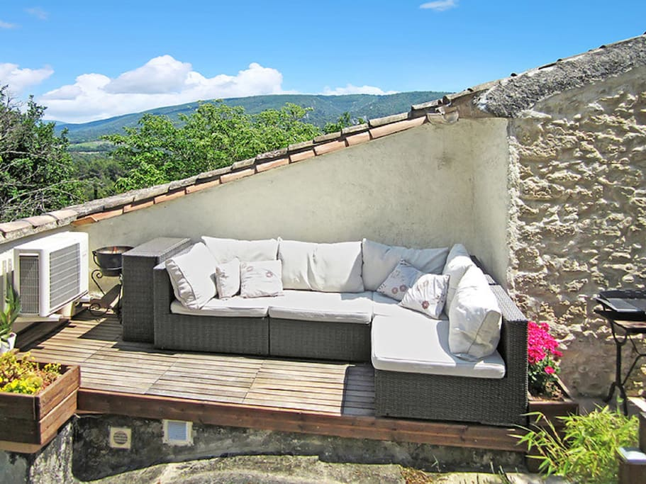 MASTER BEDROOM PATIO - Lounging area with panoramic views of the Luberon national park
