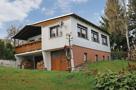 Holiday cottage with 2 bedrooms on 80m² in Allersdorf