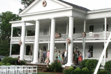 Antebellum Winston Place - Valley Head - Bed & Breakfast