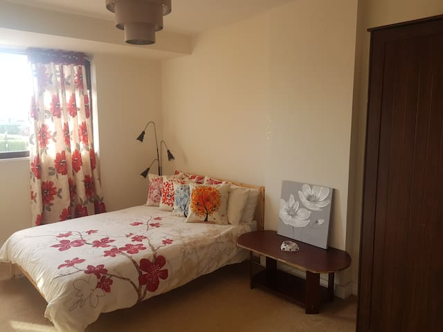 Private double bedroom Leamington Spa - Warwick