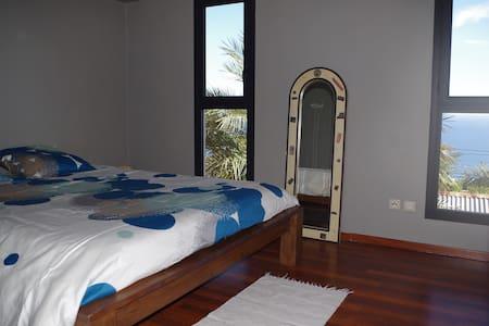 Bedroom with seaview - Lakás