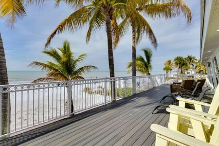 Endless Summer Beachfront Bliss - Fort Myers Beach