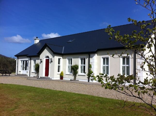 Remote  Luxury on the Wild Atlantic Way - County Donegal - Huis