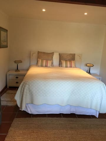 1 bedroom, within walking distance to the beach