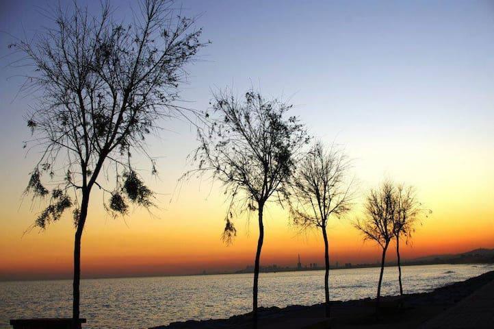disfruta de los atardeceres en la playa - El Masnou - Daire