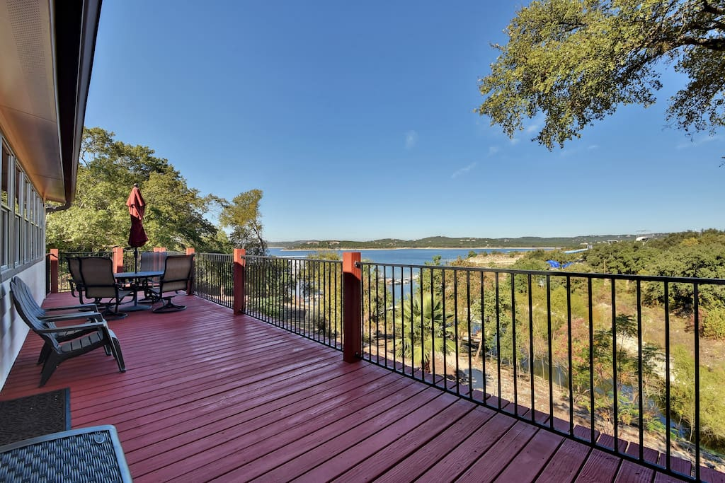 End-to-end Hill Country and Lake Travis views.