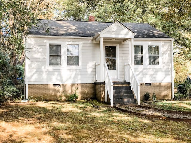 Cozy Downtown Greenville Home Near Arena