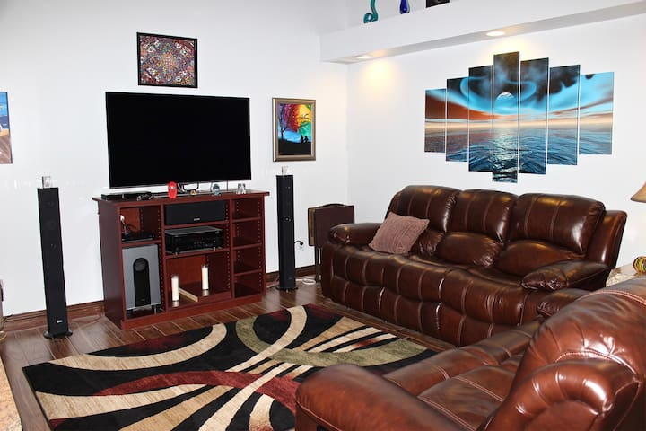 """52"""" Samsung QLED!  Best TV on the market!  Real leather furniture!"""