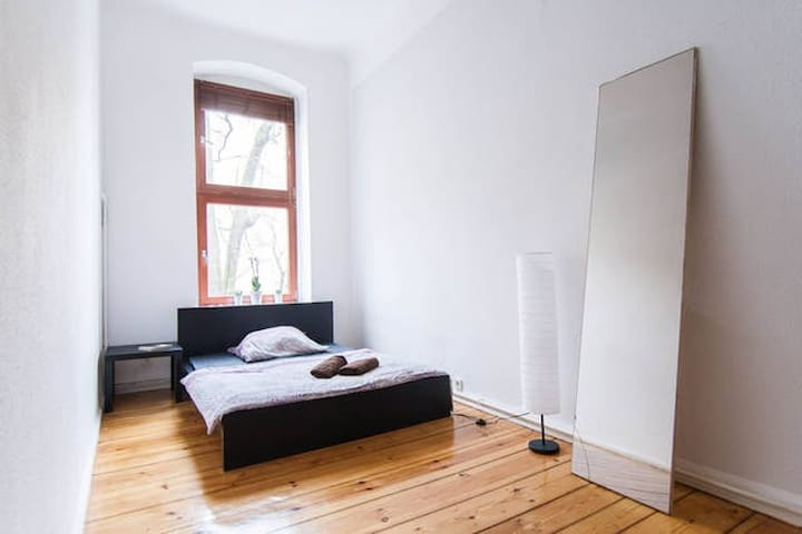 Quiet & Cosy room 15min. To TXL - Berlin - Apartment