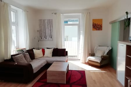Beautiful, spacious apartment close to Vienna