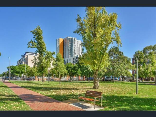 Best Location CBD Apartment Living - Adelaide - Apartment