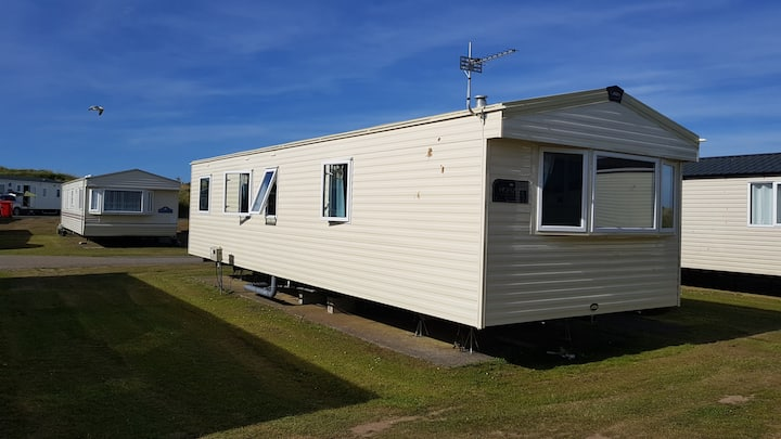 Lovely Static Caravan at Perran Sands Holiday Park