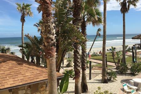 Beautiful updated condo, ocean view - Daytona Beach - Társasház