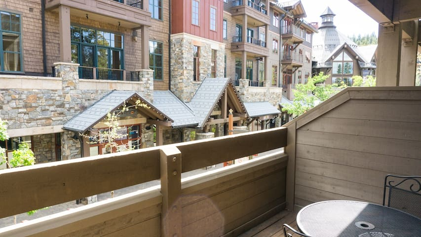 *NO GUEST SERVICE FEE* Hotel Style Room in Northstar Village