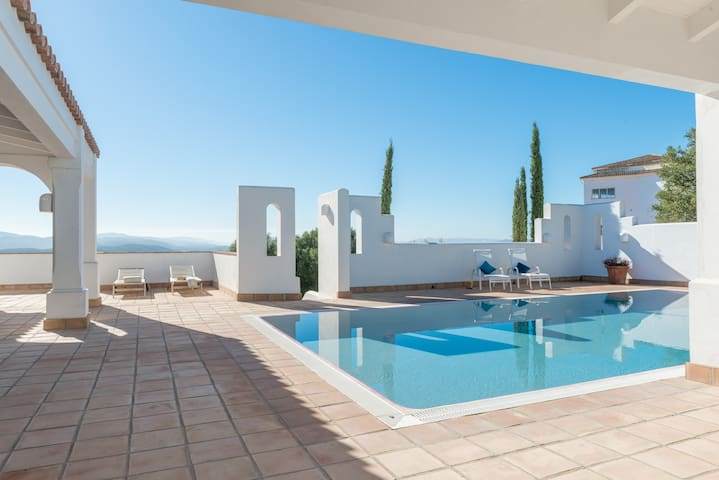 Villa Muscari - 4 bedrooms perfect for groups