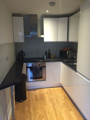Cozy 1B in the heart of Brixton - Londen - Appartement