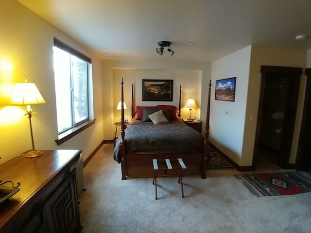 Private Suite 10 Minutes from Park City
