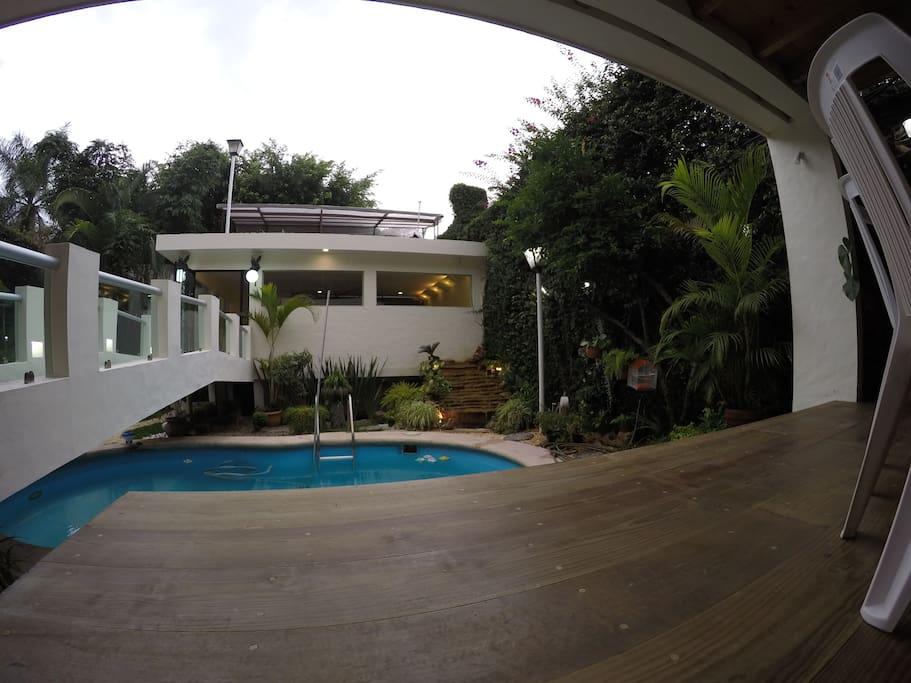 Exclusivas habitaciones en casa oriental jiutepec for Jardin villa xavier jiutepec