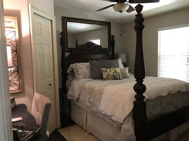 Queen bedroom on the left