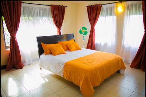 CHEAPEST 1Bedroom HOTEL Suites ENTEBBE AIRPORT RD