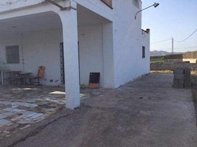 Playa y montaña en Cullera. Casa 2x1.