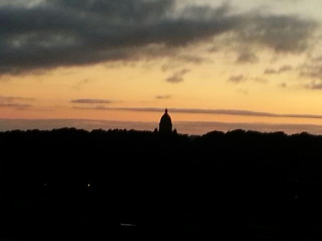 sunset over Lancaster (Ashton Memorial)